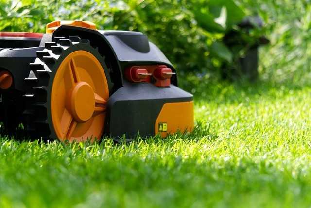 Pourquoi Les Robots Tondeuses Vont Envahir Nos Jardins?